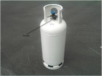 Self fill cylinder
